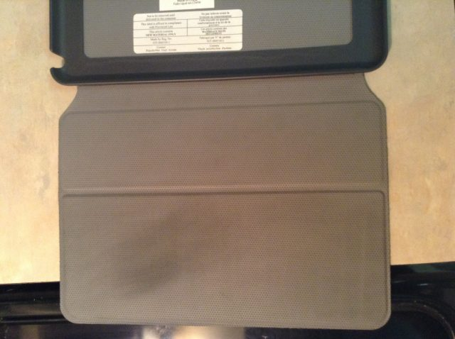 How to clean ipad cover